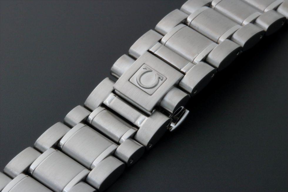 Lot #3236A – Omega Speedmaster Watch Bracelet 1562/850 Omega Omega 1562/850