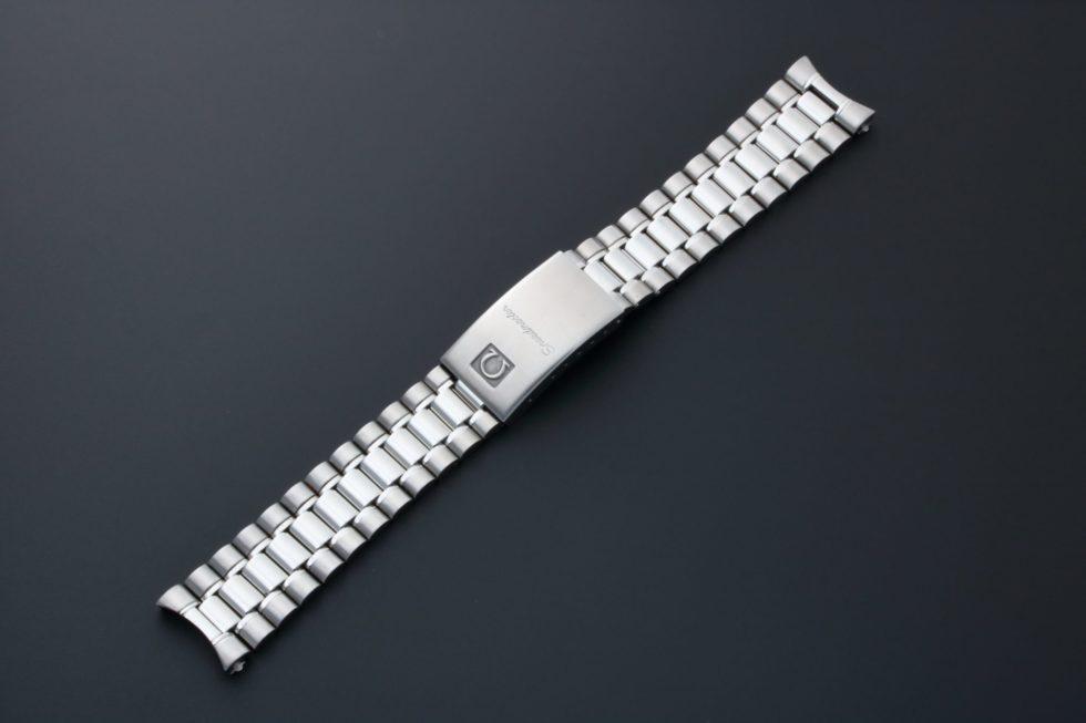 Lot #3246A – Omega Speedmaster Watch Bracelet 18MM 1469/811 Omega Omega 1469/811