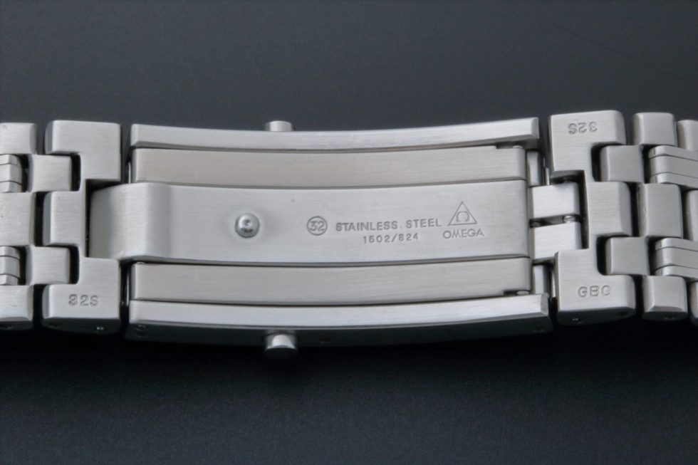 Lot #3249 – Omega Seamaster Professional Watch Bracelet 1502/824 Omega Omega 1502/824
