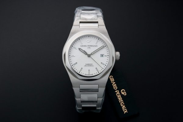 Girard Perregaux Heritage Laureato Watch 81000-11-131-11A - Baer & Bosch Auctioneers