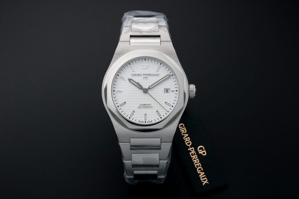 Girard Perregaux Heritage Laureato Watch 81000-11-131-11A – Baer & Bosch Auctioneers