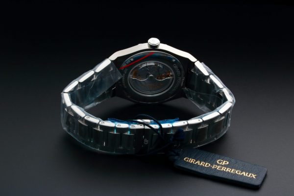 Lot #3160 – Girard Perregaux Heritage Laureato Watch 81000-11-131-11A