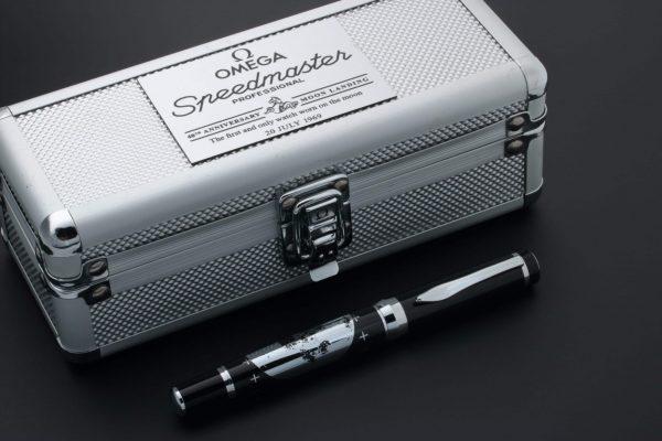 Omega Speedmaster 40th Anniversary Apollo 11 Moon Ballpoint Pen - Baer Bosch Auctioneers