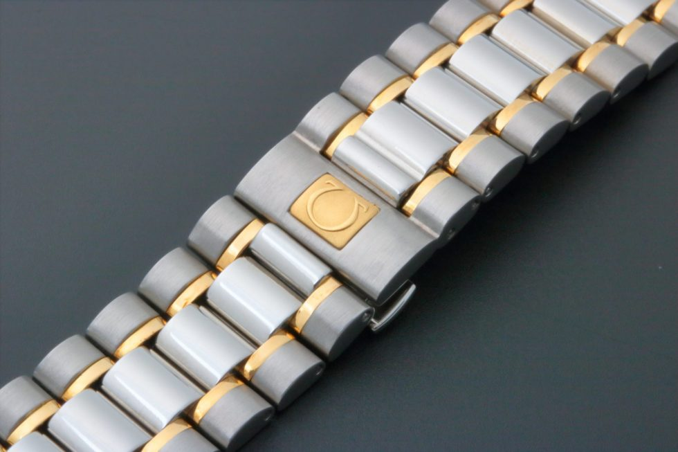 Lot #3835B – Omega Speedmaster Tutone Watch 18MM Bracelet 1489/813 Omega Omega 1489/813
