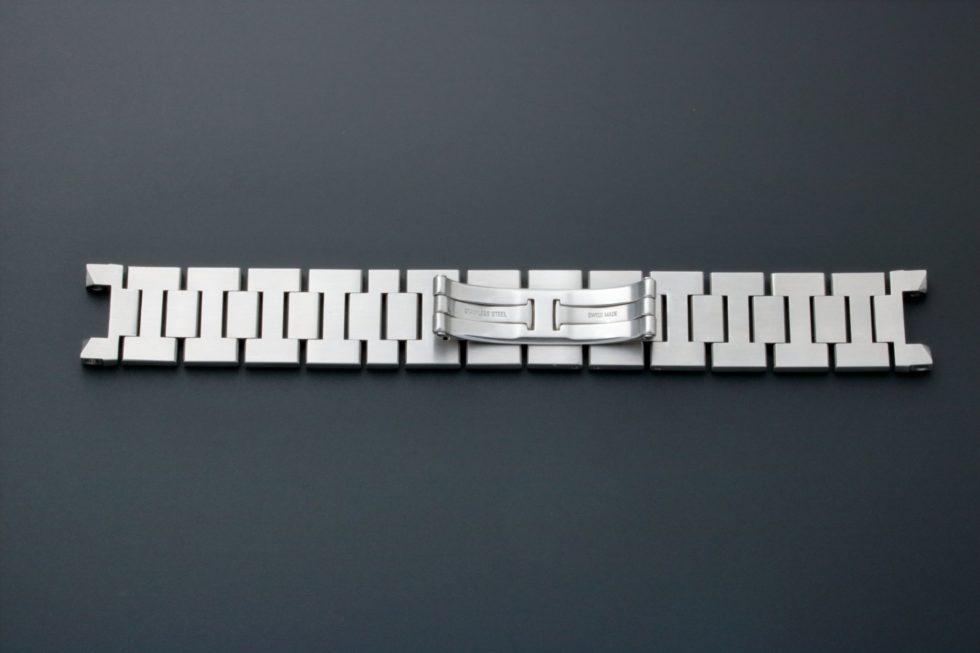 Lot #3630 – Cartier Pasha Watch Bracelet 18MM Cartier Cartier