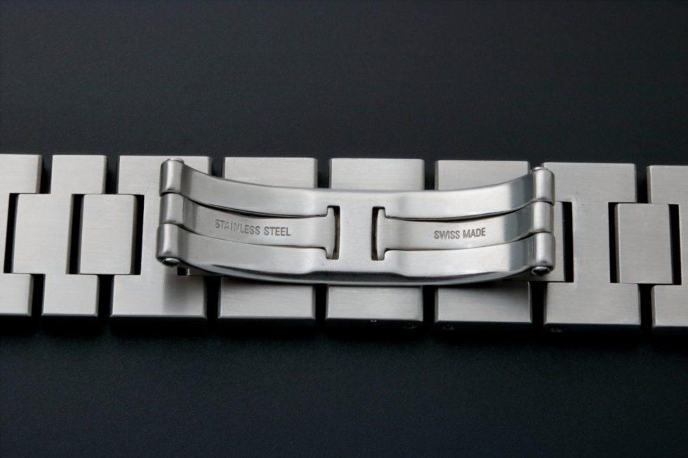 Lot #4823A – Cartier Pasha Watch Bracelet 18MM 124MM Cartier Cartier