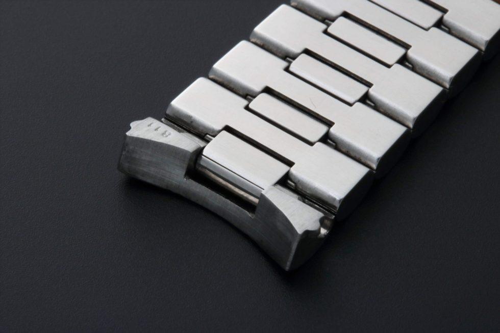 Lot #3228B – Omega Speedmaster Watch Bracelet 18MM 1469/811 Omega Omega 1469/811