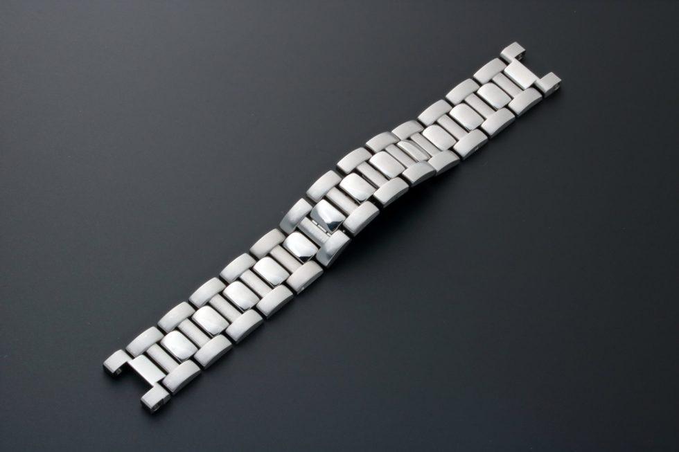 Lot #3641 – Cartier Pasha Chronograph Watch Bracelet 18MM Cartier 18mm