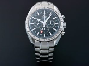 Lot #7747 – Omega Speedmaster Broad Arrow GMT Watch 3581.50 Omega Chronograph