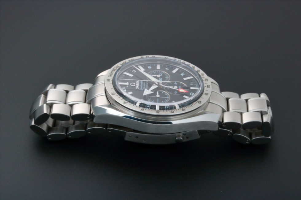 Lot #5618 – Omega Speedmaster Broad Arrow GMT Watch 3581.50 Omega Chronograph