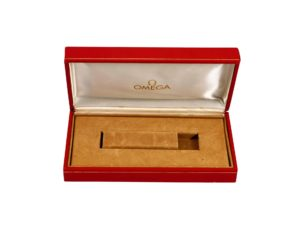 Omega Red Vintage Watch Box - Baer Bosch Auctioneers