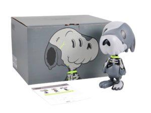 Lot #10610– Cote Escriva Creepy Snoop Grey Sculpture Art Toys Cote Escriva