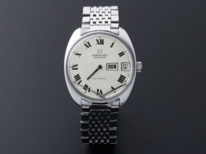 Lot #4942 – Vintage Universal Geneve Polerouter Watch #872102 Universal Geneve Universal Geneve 872102