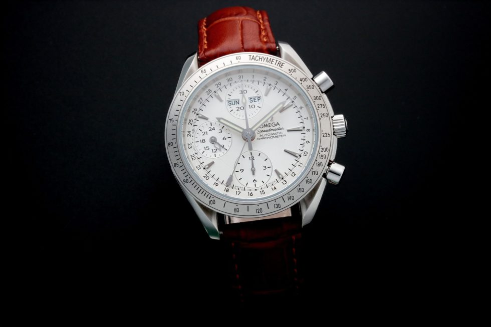 Lot #5665 – Omega Speedmaster Triple Calendar Watch 3221.30.00 Omega Omega 3221.30