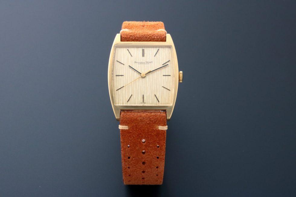 Lot #6787 – Rare Jumbo IWC R2471 Cal 403 Center Seconds 18K Yellow Gold Watch IWC International Watch Co