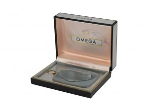 Lot #11022 – Omega Hinge Cuff Patent Pending Watch Box Rare Vintage Omega [tag]
