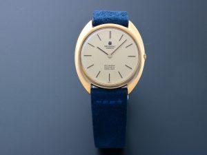 Lot #10867 – Vintage Universal Geneve Gilt Shadow Automatic Ultra Slim Watch 566101 566101 Universal Geneve