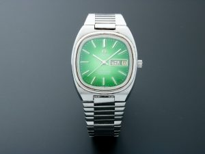 Lot #10500 – Omega Seamaster Day Date Green Dial Watch Vintage 166.0211 Omega Caliber 1020