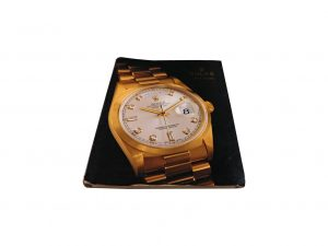 Lot #10277 – Rolex 1999 – 2000 Master Dealer Watch Catalog Collector's Bookshelf [tag]