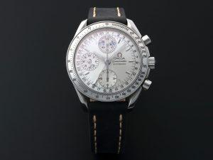 Lot #10900 – Omega 3523.30 Speedmaster Triple Calendar Watch 3523.30 Omega Chronograph