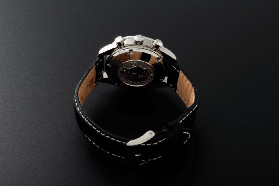 Lot #10910 – Omega 3211.31 Speedmaster Date Panda Watch 3211.31 Chronograph